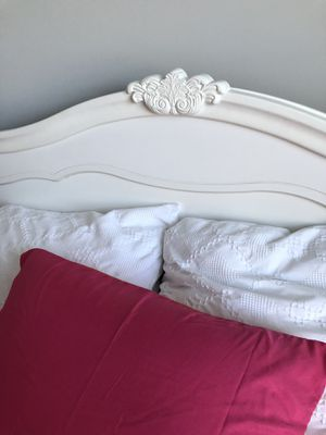 Full bed for Sale in Maple Hill, NC