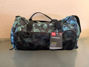 UNDER ARMOUR CAMOUFLAGE DUFFLE BAG for Sale in Miami, FL