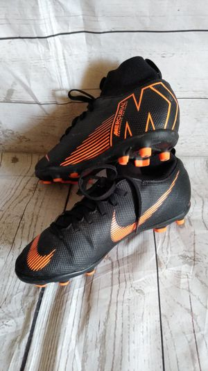 Nike Mercurial , Boy's size 4.5Y ( excellent condition ) for Sale in Frederick, MD