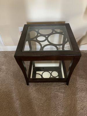 Glass side table..2...$25 each obo for Sale in Navarre, FL