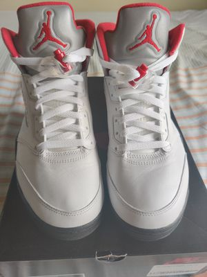 AIR JORDAN 5 RETRO SIZE 8.5 MEN for Sale in Brooklyn, NY