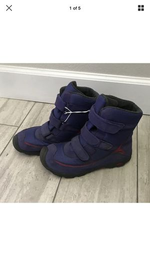Girls Keen Snow Boots Purple Pink Youth Sz 6 Preowned for Sale in Fullerton, CA
