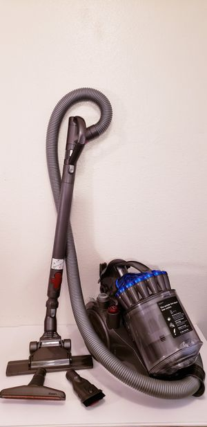 Dyson DC23 bagless Floor Vacuum with attachments for Sale in Bonita, CA