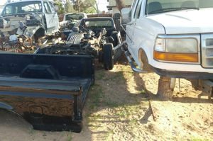1994,95,96,97 Ford F150,F250,F350 Truck Pickup & 1975-1979 Ford parts for Sale in Apple Valley, CA