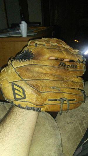 Mizuno baseball glove for Sale in House Springs, MO