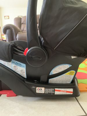 Graco click connect baby car seat for Sale in Orlando, FL