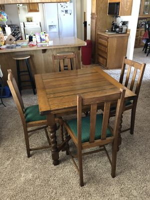 English Oak Expandable table for Sale in Hemet, CA