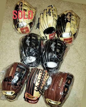 Read Description ** Rawlings Wilson A2000 A2K Heart of the Hide 12.75inch for Sale in Riverside, CA