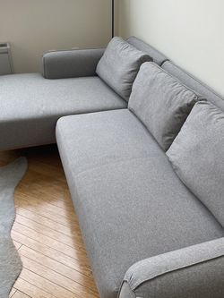 Grey Kardiel Sectional Couch for Sale in Trenton,  NJ