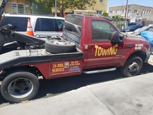 06 Ford F450 tow truck diesel for Sale in Los Angeles, CA