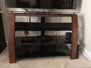 TV Stand with matching glass shelves for Sale in Fort Lauderdale, FL