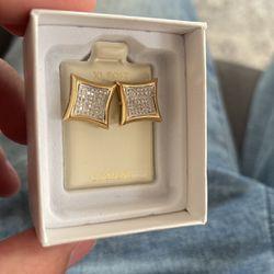 Big 10k Diamond Earrings for Sale in Lowell,  MA