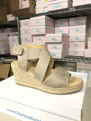 Woman size 6 preview clay perforated espadrille sandal for Sale in Corona, CA