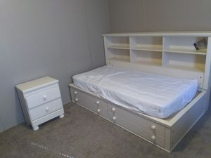 Ashley signature collection twin bedroom set for Sale in Wichita, KS