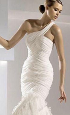 Gaudi Pronovias Wedding Gown for Sale in Sunnyvale, CA