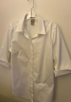 Chico White No Iron Tunic Shirt (Size 1) for Sale in Takoma Park,  MD