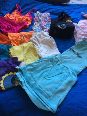 2t girls clothes for Sale in Goodyear, AZ