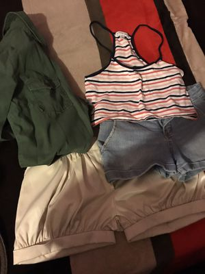 Women's clothes for Sale in Calexico, CA