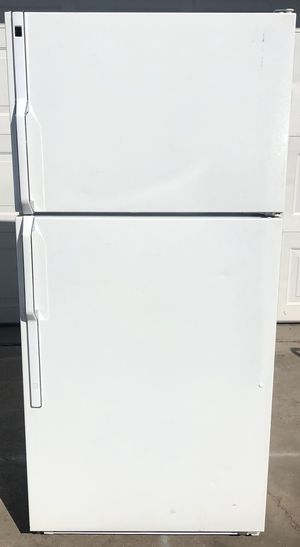 Refrigerator free delivery in certain areas and 1 month warranty for Sale in Glendale, AZ