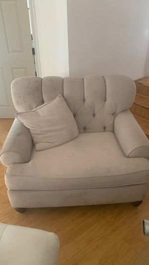 Beige couch loveseat for Sale in Norwalk, CA