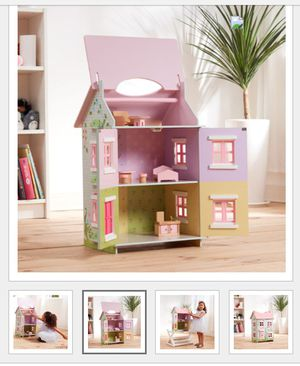 Beautiful dollhouse for Sale in Compton, CA