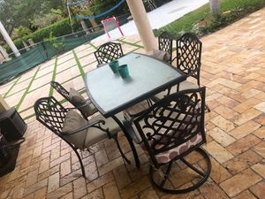 Patio set with 6 chairs for Sale in Miami, FL