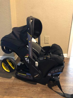 Doona car seat converts to stroller expiration date 2025 for Sale in Richardson, TX