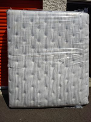 Cal King Mattress for Sale in Puyallup, WA