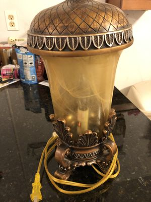 Beautiful vintage table or desk lamp nice design ambient lighting for Sale in Orlando, FL