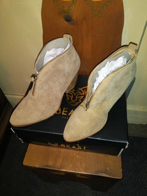 REDUCED!! TAUPE ANKLE BOOT for Sale in Muncy, PA