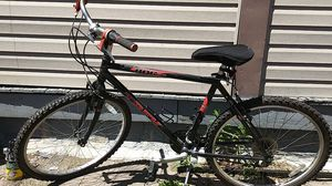 Trek 800 sport single track series mountain bike for Sale in Cleveland, OH