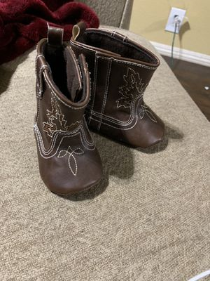 Little boots for baby girl for Sale in Livingston, CA