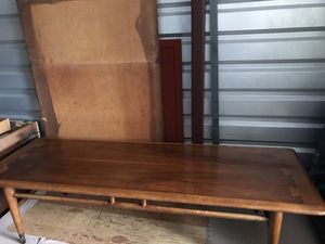 Lane Acclaim Mid-Century Modern Walnut Surfboard Coffee Table, 1960s for Sale in Portland, OR