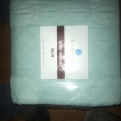 Queen Size Quilt 86x86 for Sale in Quitman,  TX