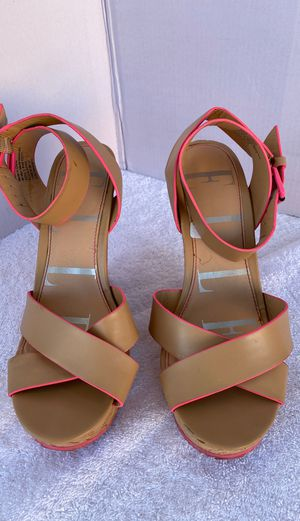 Women's heels size 8 for Sale in Yucaipa, CA