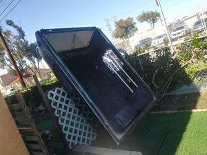 Camper barato. Cam. 81. 1/2. Picadas de lardo x 63 1/2 de ancho for Sale in Long Beach, CA