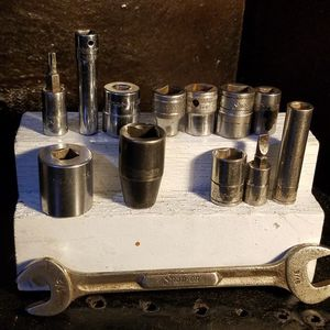 Snap On SOCKETS & 1 Wrench for Sale in Bedford, TX
