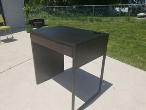 Desk for Sale in Evergreen Park, IL