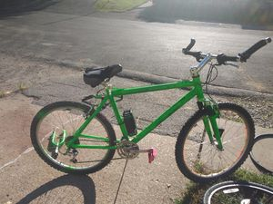 Raleigh mountain bike 24 speed for Sale in St. Louis, MO