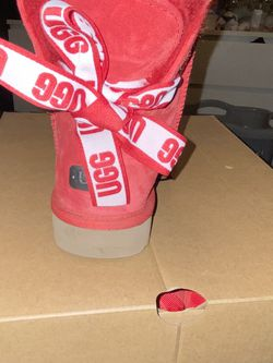 Uggs Size 7 Still Have Original Box for Sale in Edmond,  OK