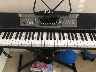 Lagrima Keyboard with Stand for Sale in Shoreline,  WA