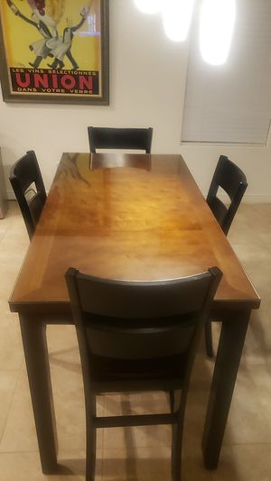 Dining table and 4 chairs for Sale in Maricopa, AZ