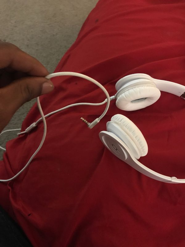 Solo HD All White Beats by Dre