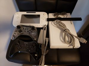Nintendo Wii u, white, 2 controller's, 4 games work perfectly for Sale in Miami, FL
