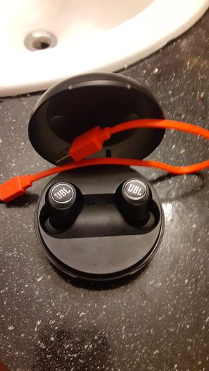 JBL wireless headphones for Sale in Clearwater, FL