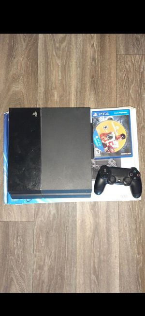 Ps4 with box (500GB) for Sale in Glendale, AZ