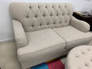 BEIGE UPHOLSTERY LOVE SEAT PICK UP TODAY for Sale in Chino, CA