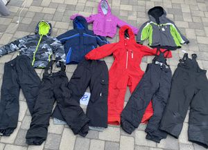 Kids size 6/7 , 7, 8, and 8/10 ski and snowboarding clothes. Jackets pants and bibs. Many brand names for Sale in Redondo Beach, CA