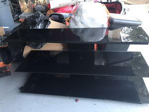 Tv stand in very good condition for Sale in Palmdale, CA