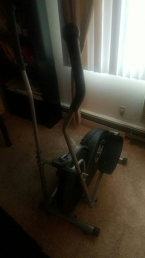 Great elliptical for Sale in MAYFIELD VILLAGE, OH